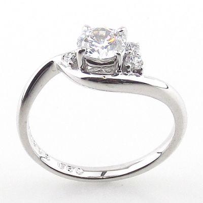 お客様の声《婚約指輪のリフォーム》
